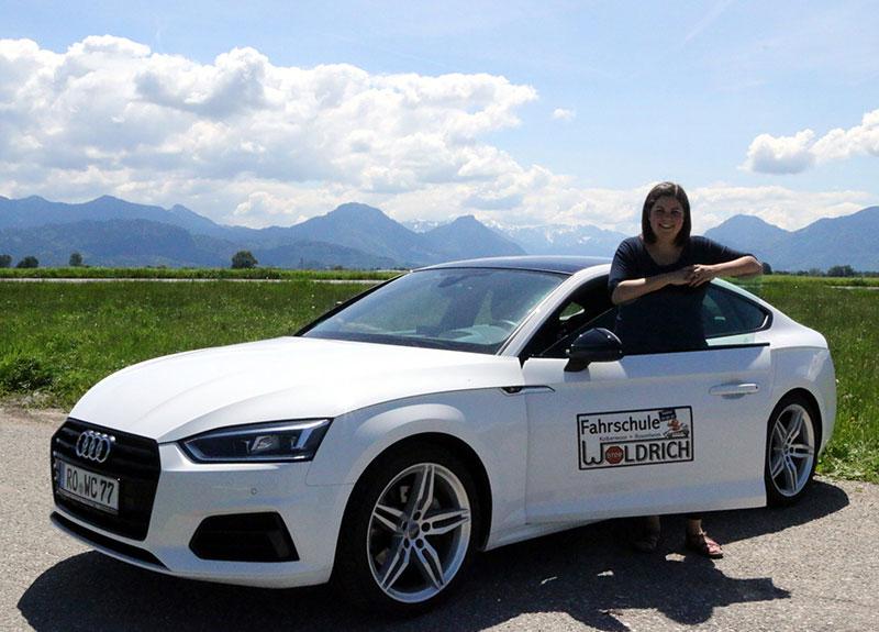 Fahrschule Fahrlehrerin Claudia